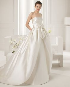 Rosa Clara Wedding Dresses 2015 Collection Part II. To see more: http://www.modwedding.com/2014/07/17/rosa-clara-wedding-dresses-2015-collection-part-ii/ #wedding #weddings #wedding_dress