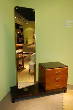 67 Ideas modern wood furniture design consoles for 2019 Modern Wood Furniture, Furniture Design, Bedroom Furniture, Diy Furniture, Wall Storage Shelves, Shelf, Living Room Mirrors, Mirror In Bedroom, Mirror Bathroom