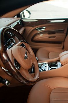 Bentley with the peanut butter interior👌👌 Bentley Auto, Bentley Interior, Car Interior Design, Stylish Interior, Bentley Mulsanne, Lux Cars, Car Goals, Best Luxury Cars, Future Car