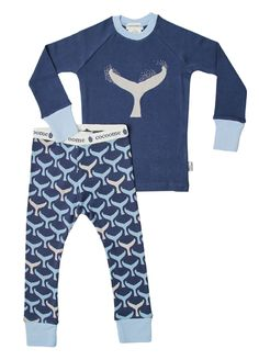 Long sleeve crew neck top with elasticised waist pants. Contrasting whale print.