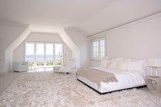Bedroom, all my worries would vanish here!