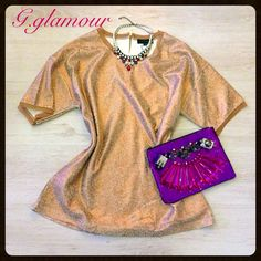 Outfit Maxy maglia bronzo, pochette con pietre viola