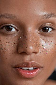 Glitter freckles via makeup artist Emi Kaneko