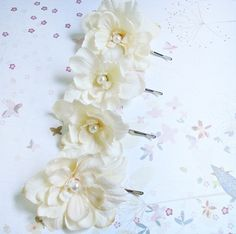 ivory flower hair pins wedding flower hair by thehoneycomb on Etsy, $40.00