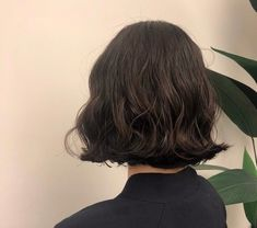 Blonde Bob Hairstyles, Short Black Hairstyles, Pretty Hairstyles, How To Curl Short Hair, Girl Short Hair, Hair Inspo, Hair Inspiration, Korean Short Hair, Cut Her Hair