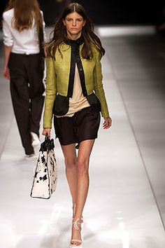 Spring 2004 Ready-to-Wear  Burberry Prorsum  Jeisa Chiminazzo