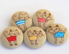 "Find and save images from the ""Kreativ - Rock / Stone / Pebble Art"" collection by Gabis Welt :) (gabi_zitzen) on We Heart It, your everyday app to get lost in what you love. Pebble Painting, Pebble Art, Stone Painting, Rock Painting, Stone Crafts, Rock Crafts, Arts And Crafts, Pebble Stone, Stone Art"