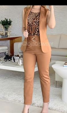 Classy Going Out Outfits, Casual Sporty Outfits, Summer Fashion Outfits, Chic Outfits, Fashion Dresses, Office Outfits Women, Pants For Women, Clothes For Women, Professional Outfits