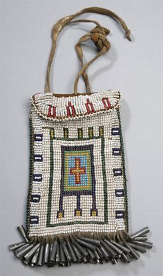 Native American beaded pouch w/ small cones Native American Medicine Bag, Native American Artifacts, Native American History, Native American Indians, Indian Beadwork, Native Beadwork, Native American Beadwork, Native American Jewelry, Beaded Purses