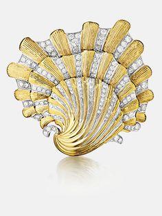 Verdura 18kt Gold & Diamond Shell brooch