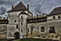 Kezmarok castle Manor Houses, Hdr, Genealogy, Castles, Louvre, Mansions, History, House Styles, Building