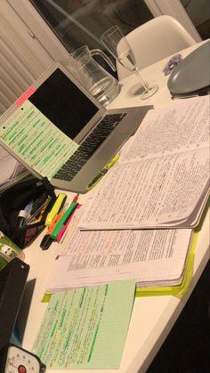 School Organization Notes, Study Organization, School Notes, College Notes, Study Motivation, Motivation Inspiration, Study Board, Study Pictures, School Study Tips