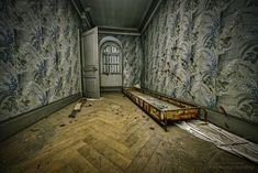 In one of the rooms of the Château Lumière, a rusty tub raises the question of what it was meant for… The sides are open, so for sure not for liquids. The Ch, Urban Exploration, Urban Decay, Abandoned, Tub, Indoor, Explore, Photography, Left Out
