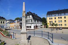 Zwönitz im Erzgebirge, Marktplatz mit Postsäule
