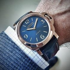 This is a beautiful new combo. The #Panerai PAM717 Luminor 18K Rose Gold with Sunburst base blue dial. Only 50 pieces. @soalfb #PaneraiCentral