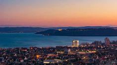 Balatonfüred, háttérben Tihany Budapest, Seattle Skyline, San Francisco Skyline, Country, Artwork, Traveling, Hungary, Viajes, Work Of Art