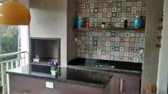 Granito verde Ubatuba. Balcão, nicho para churrasqueira e pia.