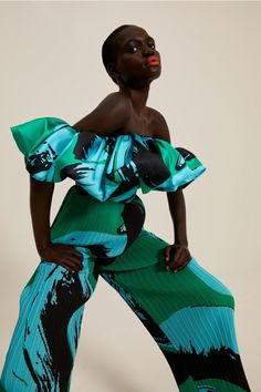 Fashion Looks, Fashion Show, Fashion Outfits, Fashion Trends, Bold Fashion, Fashion Design, Girls Wear, Women Wear, Textiles