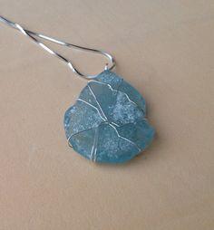 Sea Glass Jewelry DIY. Un vetrino azzurro di mare. Una goccia di mare.
