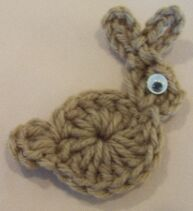 Crochet bunny free pattern. SO cute, be ideal for card making... or garland! Thanks so for share xox