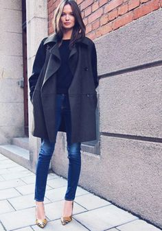 black coat, skinny jeans, street style