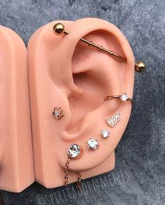 Conch Piercings, Cool Ear Piercings, Foto Piercing, Piercing Tattoo, Ear Jewelry, Gold Jewelry, Jewlery, Piercing Industrial Oreja, Vampire Diaries Jewelry