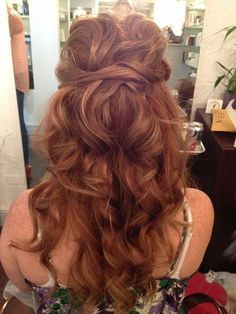 Wedding hairstyle. Long hair. Messy curls. Boho curls. Loose curls. Half up, half down hairstyle.
