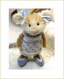 The little mouse Frida Albertina Needle Felted Animals, Felt Animals, Baby Animals, Cute Animals, Knitted Animals, Wet Felting, Needle Felting, Maus Illustration, Crochet Mouse