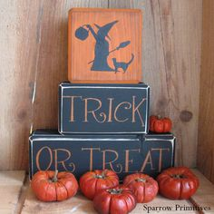 Primitive Country Folk Art Halloween Trick or Treat Sign Blocks