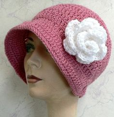 Free Crochet Hat Pattern - Such a retro look! ♥♥.