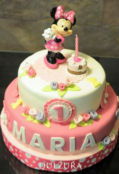 * Sweetness *: MINNIE MOUSSE CAKE FOR MARY