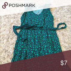 Old navy heart print dress Navy with green heart print. Fits larger than size... I normally wear a medium and this fits okay. 🎉 Buy before Tuesday 09/05/16! Any items left on that date will be donated to goodwill! Bundle to save 25% on three items Old Navy Dresses Mini