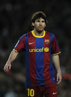 BARCELONA, SPAIN - MARCH Lionel Messi of FC Barcelona looks on during the La liga match between Barcelona and Real Zaragoza at Camp Nou on March 2011 in Barcelona, Spain. Barcelona won (Photo by David Ramos/Getty Images) Messi 2010, Football Photos, Football Art, Fc Barcelona Wallpapers, Real Zaragoza, Argentina National Team, Ronaldo Football, Leonel Messi, Club World Cup