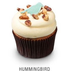 From Georgetown Cupcake: Georgetown Cupcake's version of a Southern classic — fresh banana, pineapple, and pecan cupcake topped with a vanilla cream cheese frosting, chopped pecans, and a blue fondant hummingbird Vanilla Cream Cheese Frosting, Cupcakes With Cream Cheese Frosting, Buttercream Cupcakes, Baking Cupcakes, Yummy Cupcakes, Cupcake Cakes, Cupcake Ideas, Cup Cakes, Homemade Cupcake Recipes