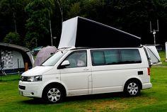 Mit der ersten Camping-Saison im kleinen, großen Bus stellen sich viele Fragen. Einige davon sind: Was mache ich, wenn der Zeltbalg nass wird und ich weiter muss? Wie kann ich verhindern, das die Matratze nass wird? Die Antwort ist … eine Mütze...