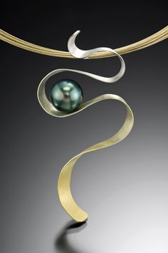 Pendant | Adam Neeley.  Iris gold, a seamless gradient through 7 tones from 22kt yellow to 9kt white and a Tahitian pearl