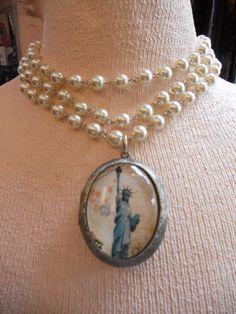 STATUE LIBERTY LOCKET 3 strand glass pearl by SiouxZanneMessix