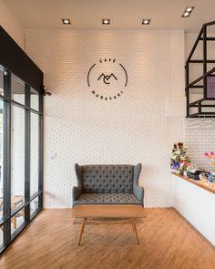 Pin Veredas Arquitetura --- www.veredas.arq.br --- Galeria de Café Murasaki / FATTSTUDIO - 3 #veredasarquitetura #coffe #cafeteria