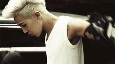 7 K-pop men who aren't afraid of a little hair color