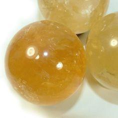Honey calcite activates the root chakra, solar plexus chakra and third eye, bringing these into harmony and balance.