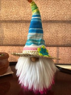 The Valentino family & friends nisse/gnome/tomte Sock Crafts, Cute Crafts, Diy And Crafts, Christmas Gnome, Christmas Crafts, Pink Christmas Decorations, Holiday Decor, Scandinavian Gnomes, Easy Halloween Crafts