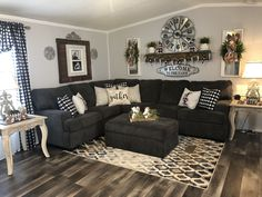 Home Interior Vintage .Home Interior Vintage Living Room Redo, Living Room Remodel, Cozy Living Rooms, Home Living Room, Apartment Living, Living Room Designs, Plaid Living Room, Country Style Living Room, Home Remodeling