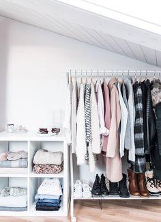 capsule wardrobe minimalist living tip