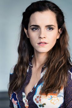 Looking for Emma Watson hairstyles Through The Years? Form short to long Emma Watson hairstyles we got it all. Access Emma Watson hairstyles photos and pick yours. Emma Watson Linda, Style Emma Watson, Emma Watson Belle, Emma Watson Estilo, Lucy Watson, Emma Watson Beautiful, Alex Watson, Emma Watson Hair Color, Emma Watson Fashion