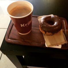 Cronut and coffee Cronut, Bakery, Coffee, Tableware, Food, Kaffee, Dinnerware, Tablewares, Essen