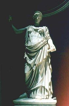 Juno en la antigua roma era la reina de las divinidades griegas, diosa del matrimonio y esposa de Júpiter. Hija de Ops y Saturno, y madre de Marte y Vulcano.  En la mitología griega se le conocía como Hera.