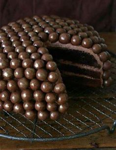 http://www.stylisheve.com/halloween-food-decoration-ideas/