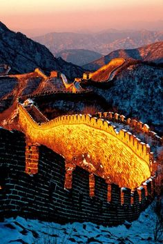 15 cheap vacation ideas for EVERY budget and type of traveler. When traveling to China, stay at the Great Wall Youth Hostel for only $64 / night!