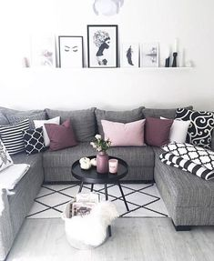 46 Cozy Living Room Ideas and Designs for 2019 When you're selecting your furniture for your cozy living room ideas, size and plushness count. Soft fabrics and lots of comfortable seating providing a warming and relaxing feel. Beautiful Living Rooms, Cozy Living Rooms, Formal Living Rooms, Living Room Grey, Home Living Room, Apartment Living, Living Room Designs, Living Room Furniture, Modern Living