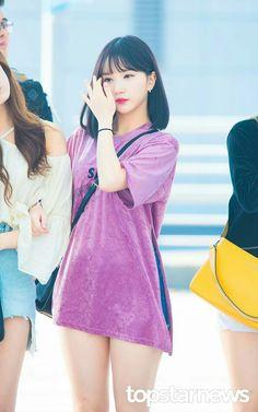 K-Pop Babe Pics – Photos of every single female singer in Korean Pop Music (K-Pop) Extended Play, Kpop Girl Groups, Kpop Girls, Fashion Tag, G Friend, Japan Girl, Entertainment, Female Singers, Single Women